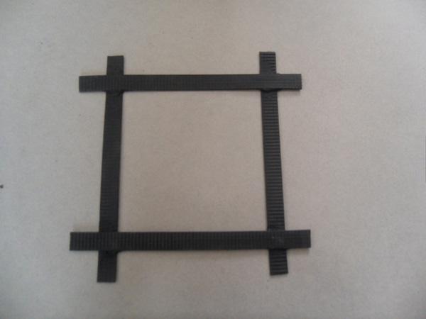 钢塑复合土工格栅