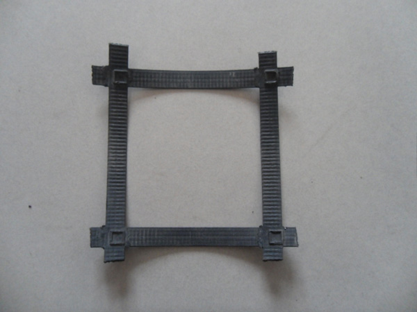 凸结点钢塑土工格栅