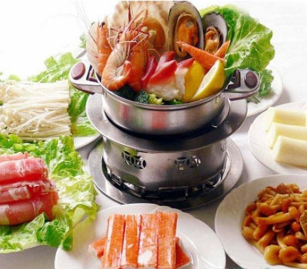 旋转小火锅迅速成为很多上班族的快餐新宠