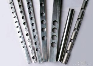 不锈钢管冲孔机是如何进行冲孔的