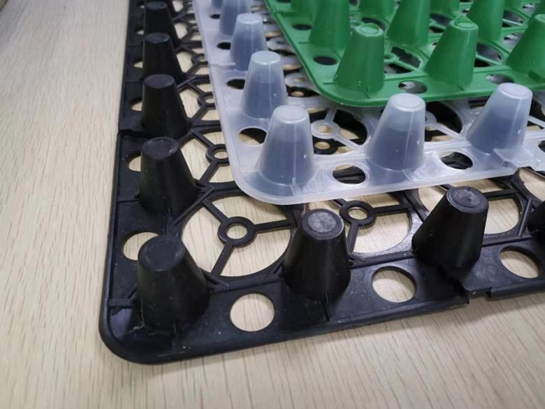 塑料蓄排水板可运用在斜坡