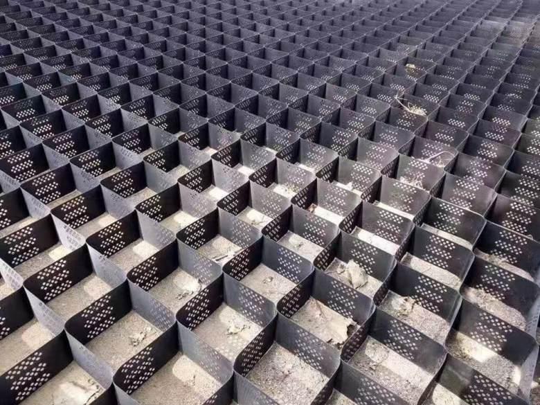 边坡防护用蜂窝土工格室施工流程