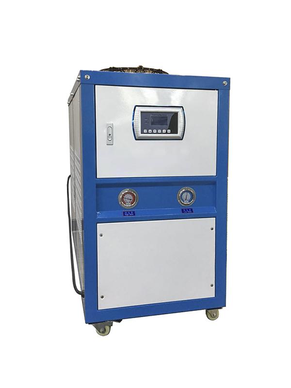 风冷式冷水机的散热器会影响其运行是否稳定